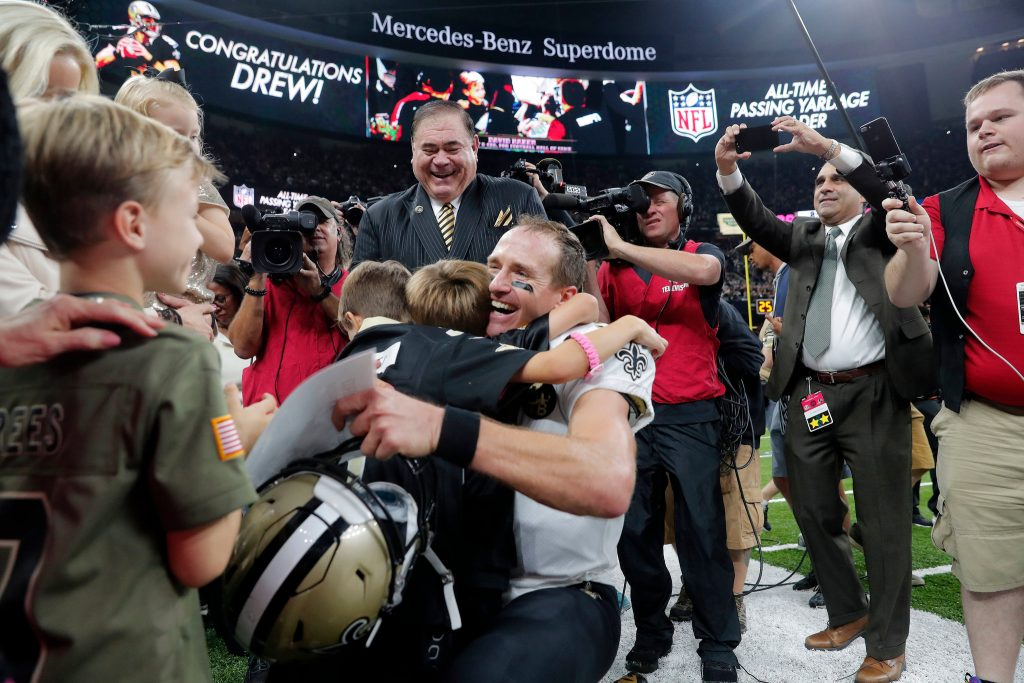 Drew Brees breaks Payton Manning's All Time Record for Career Passing Yards